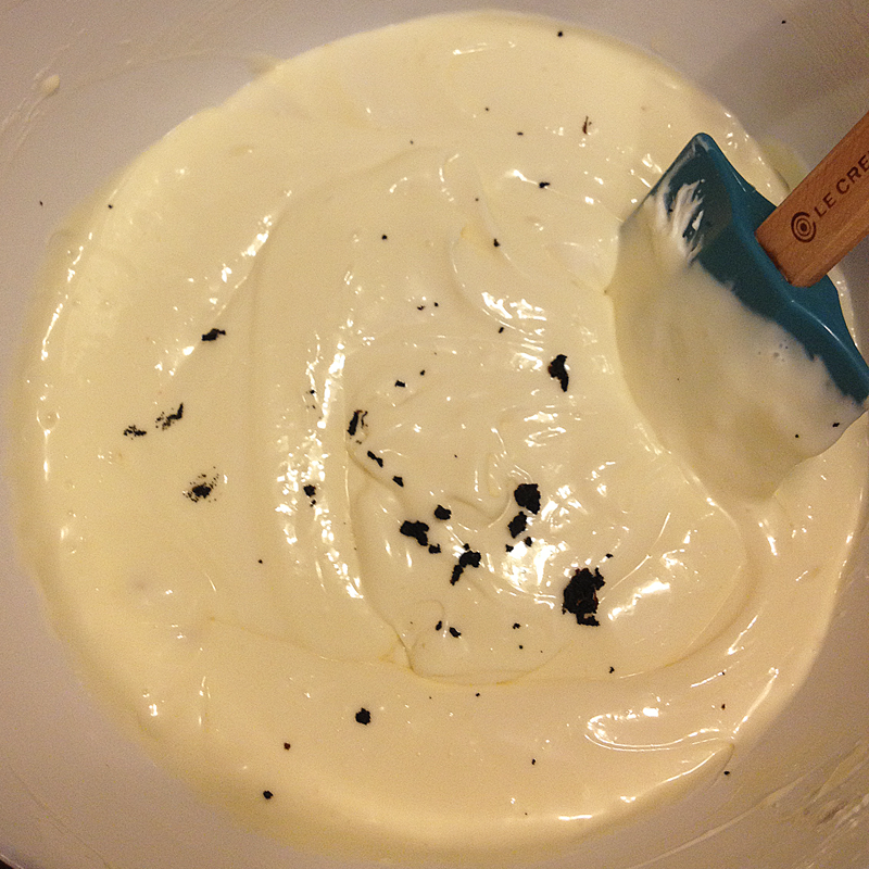 Vanilla beans + cream cheese batter base.