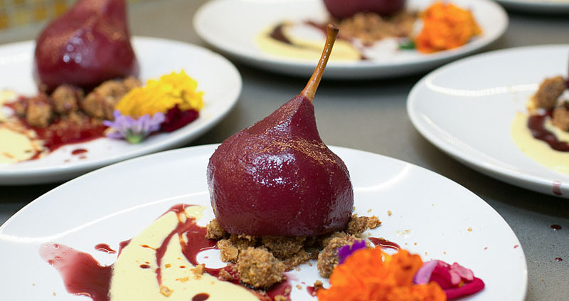 peartition: red wine poached pears with brown butter crumble on fmitk.com