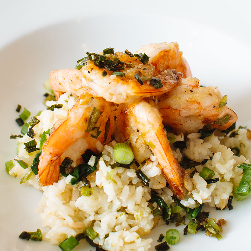 salt and pepper shrimp with crispy scallion coconut rice recipe on fmitk.com